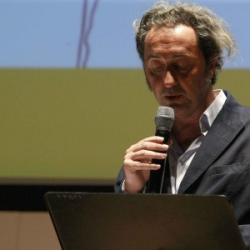 """PAOLO SORRENTINO: """"D'AVANZO E LE LACRIME DEI POTENTI"""""""